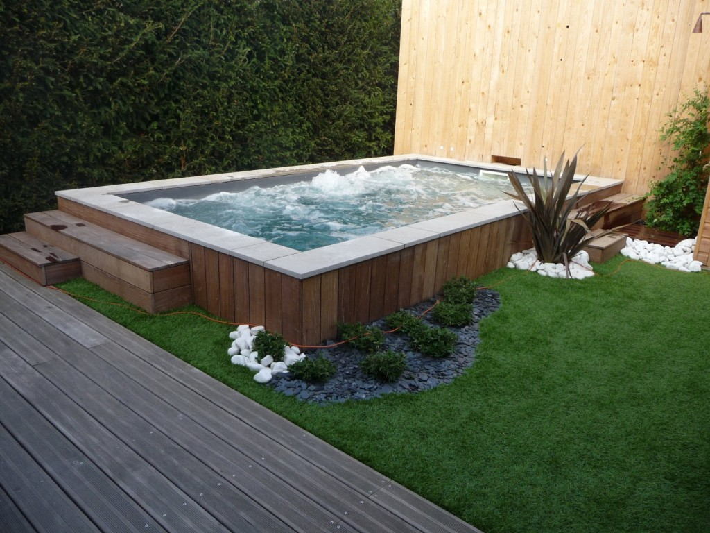 Jardin confordomo for Piscine exterieur paris